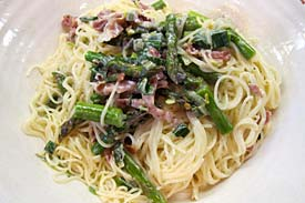 Angel hair pasta with asparagus and prosciutto