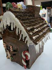 Clay gingerbread house at Studio4Art