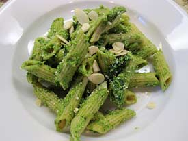 Whole wheat penne with kale pesto