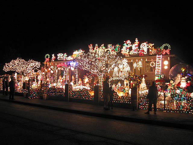 The Amazing Christmas House In Novato See It To Believe