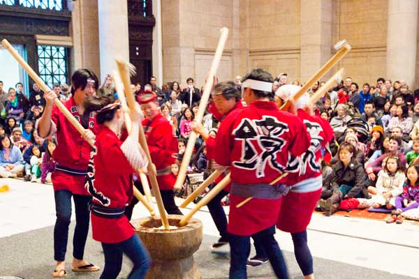 Mochi pounding at the Asian Art Museum in San Francsico