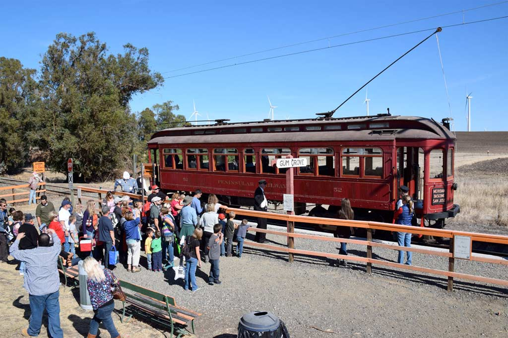 Old Fashioned Cars >> The Best Train Rides and Railroad Adventures for Families in Northern California and the Bay ...