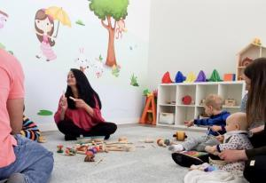 Music class for babies in Spanish. San Rafael, California