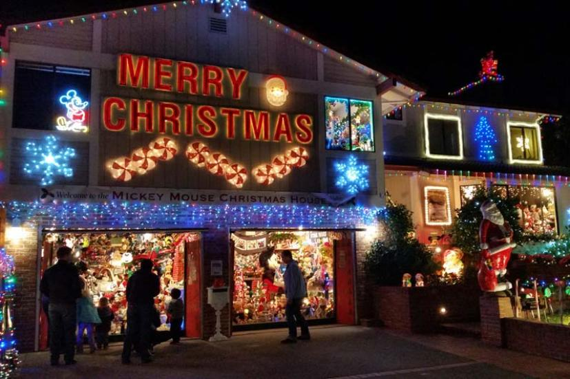 one of my childrens favorite decorated and lighted christmas house is the mize familys mickey mouse house aka mickeys christmas house in marinwood - Mickey Mouse Christmas House Decorations