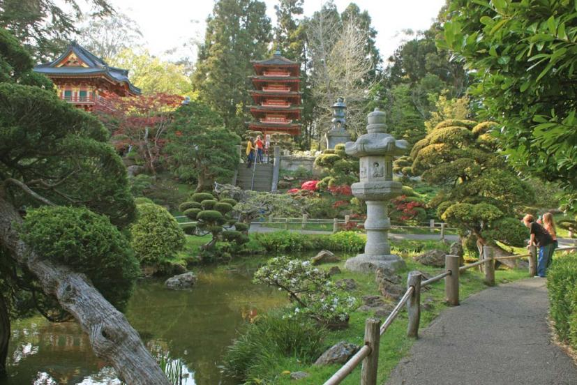 we always try to make it a point to visit every time were in golden gate park no matter what the time of year the tea garden - Golden Gate Park Japanese Tea Garden