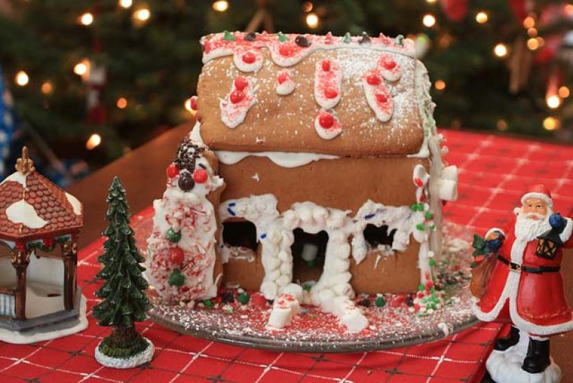 Make Your Own Holiday Gingerbread House Marin Mommies