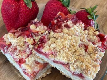 Stawberry Rhubarb Crumble Bars